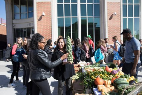 FLIK hosts farmers market