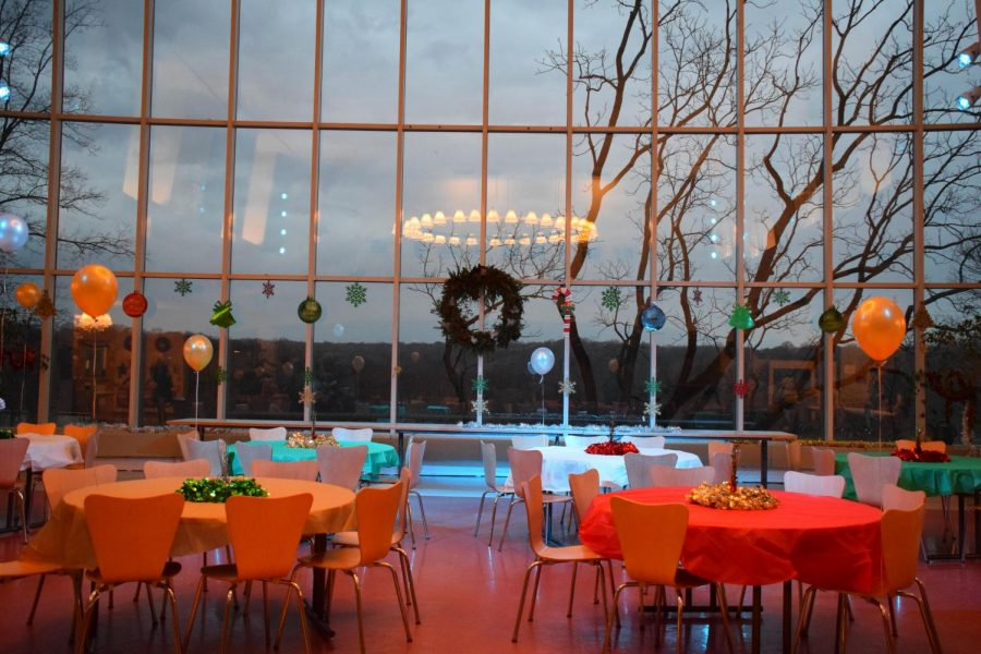 PARTY+PLANNING%3A+Fisher+Dining+Hall+in+advance+of+the+evenings+festivities