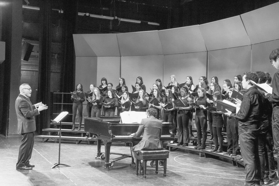 Ensemble groups perform at annual Holiday Concert