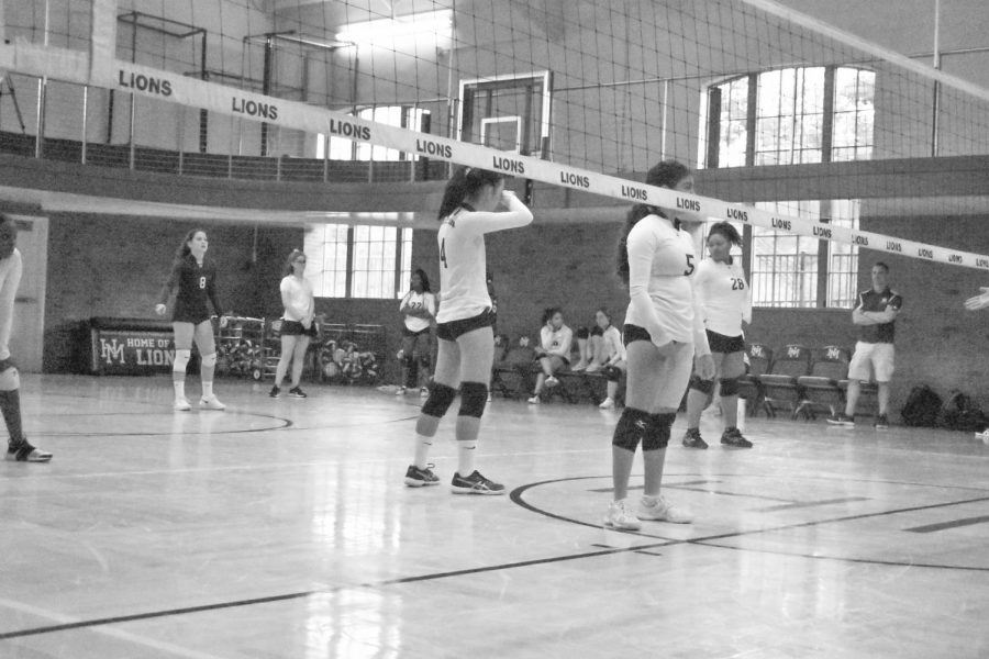 5-1+JV+Girls+Volleyball+has+strong+start