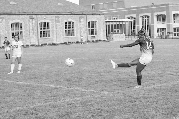 Girls Varsity Soccer puts their best foot forward despite disappointing results
