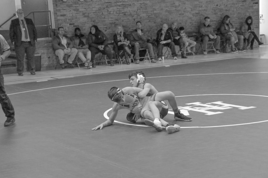Wrestling falls to Iona Prep in first meet of season