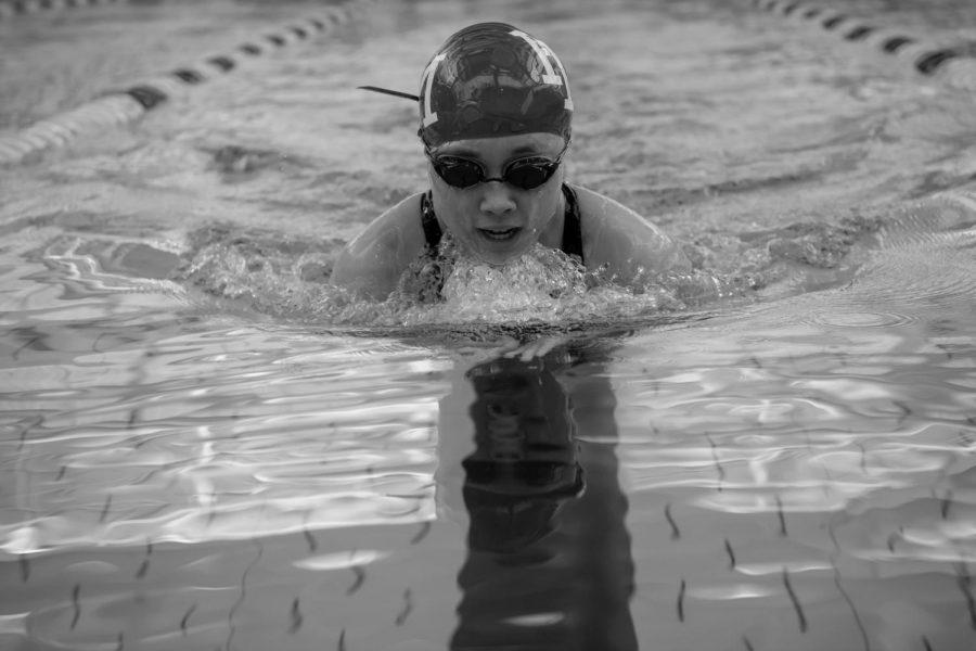 Varsity swim hosts NYSAIS meet