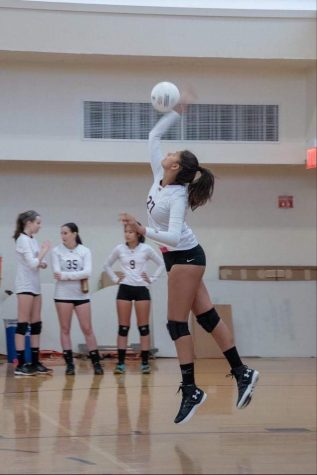 Zoe Swift (12) commits to volleyball at Wesleyan