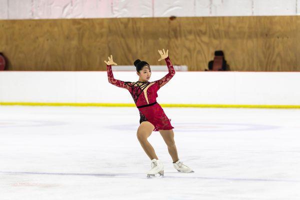 Hong (10) pursues figure skating despite the pandemic